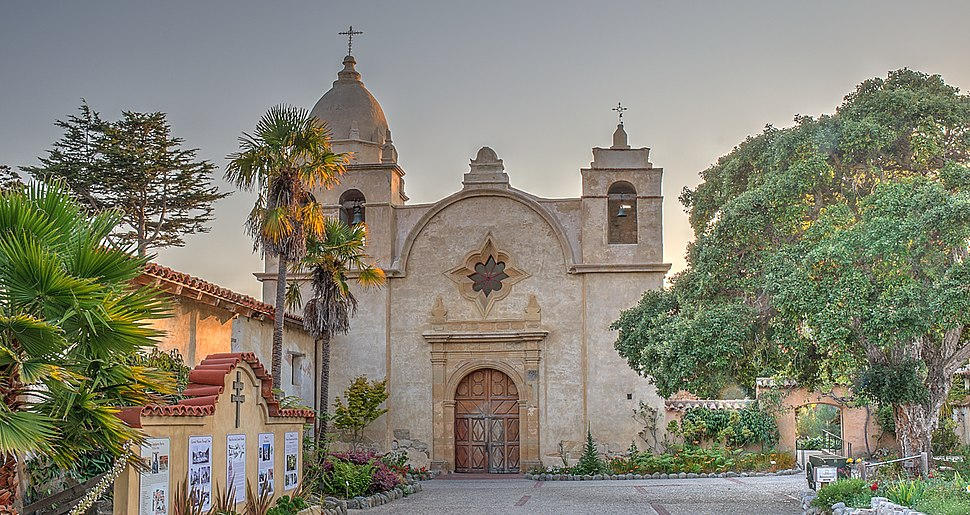 16 21 0440 carmel mission (cropped) (cropped)
