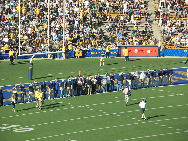 File:1959 Cal Rose Bowl Team at UCLA at Cal 10-25-08.JPG
