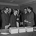 1969 visite Bernard Pons au CNRA-22-cliche Jean Weber.jpg