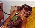 1974 Kind Katze Kopfhörer.jpg