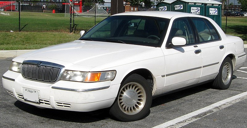 Lincoln Town Car Full Size Sedan