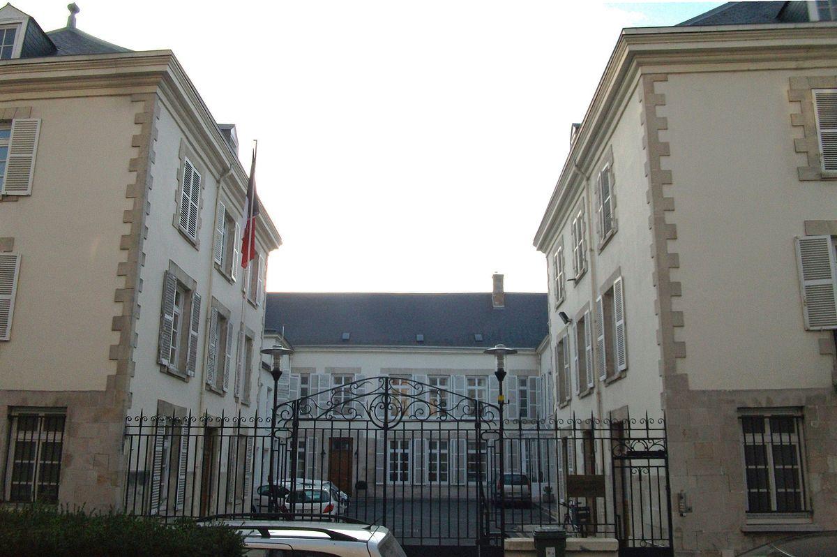 Garnison de Châlons — Wikipédia