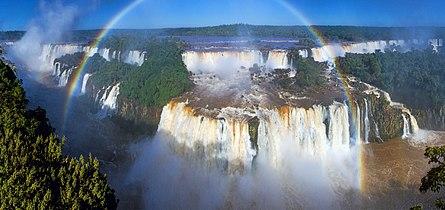 1 iguaz falls aerial panorama rainbow 2014.jpg