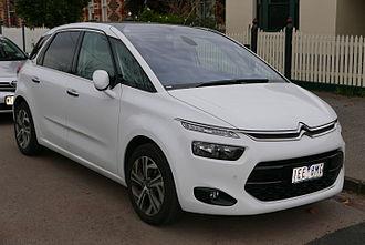 Citroën C4 Picasso - Image: 2015 Citroën C4 Picasso (B7 MY15) Exclusive e THP wagon (2015 06 15) 01
