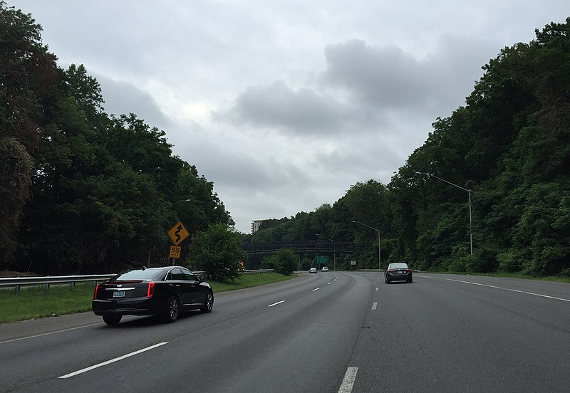 File:2016-07-04 07 47 51 Curves ahead signage along the eastbound inner loop of the Capital Beltway (Interstate 495) just east of Exit 36 (Maryland State Route 187) in Bethesda, Montgomery County, Maryland.jpg