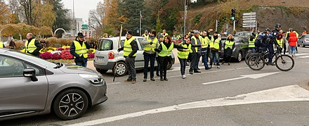 A protest on 17 November cutting the road near Belfort 2018-11-17 11-13-30 manif-gilets-jaunes-CarrefourEsperance-belfort.jpg