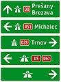 421-51 Jednoduchý smerník k diaľnici (nepriamy - smer na cestu, ktorá vedie k diaľnici).jpg
