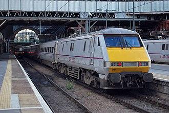 East Coast (train operating company) - Image: 91 128 Kings Cross(8077556150)