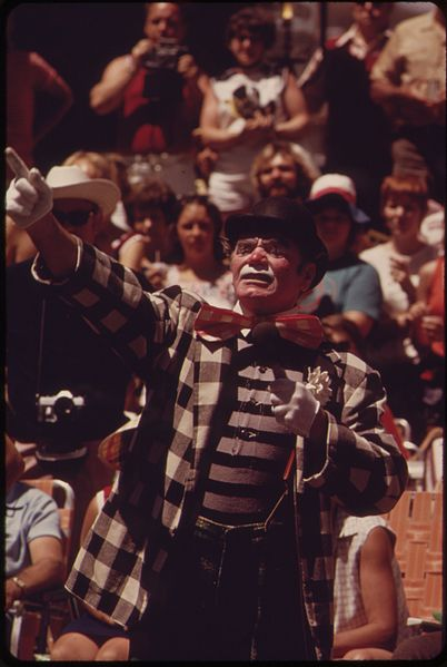 ERNEST BORGNINE  GRAND CLOWN
