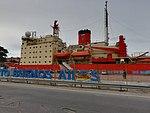 ARA Almirante Irízar en el Puerto de Buenos Aires (40500238980).jpg