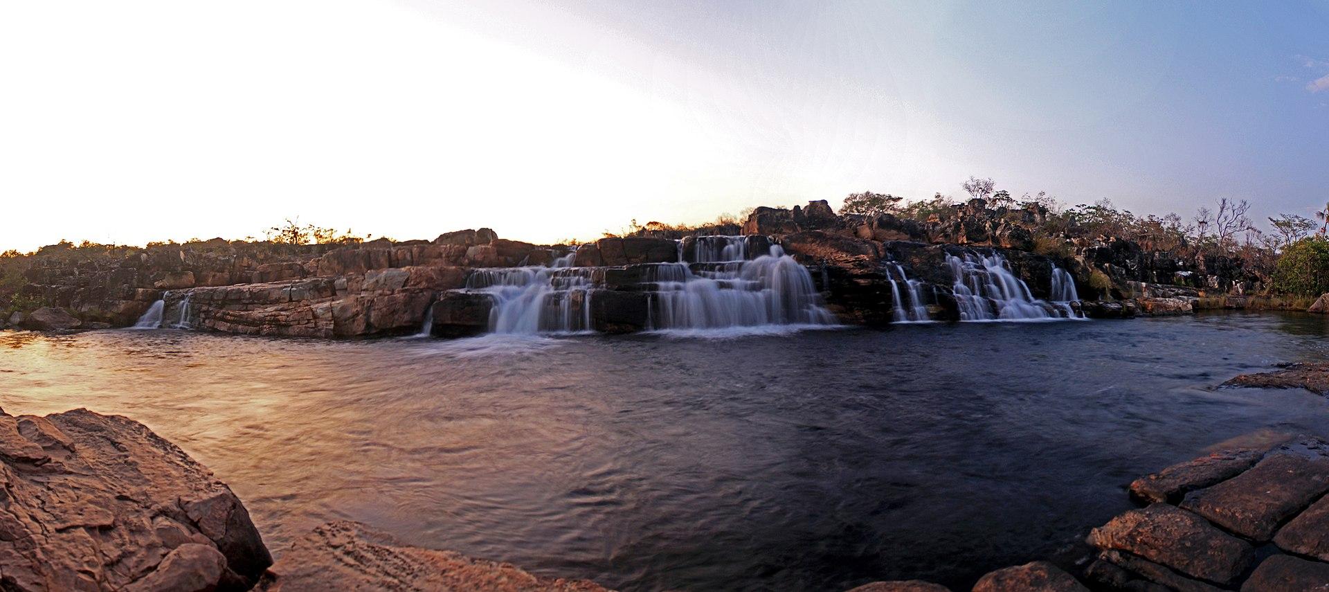 A cachoeira das sete quedas.jpg