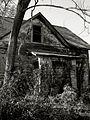 Abandoned House (2111788353).jpg