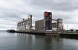 Abandoned grain silos at Pier 90, San Francisco.jpg