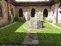 Altenburg Mittelalterliches Kloster - Kreuzgang Hof 1.jpg