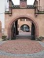Ancienne douane de Haguenau - vue d'un portail latéral.jpg