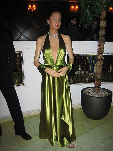 Ficheiro:Angelina Jolie Madame Tussauds London.jpg