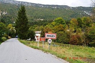 Angles, Alpes-de-Haute-Provence - The road into Angles