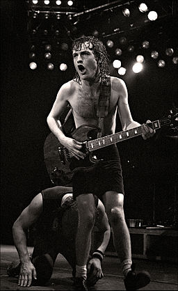 Angus Young - Manchester Apollo - 1982