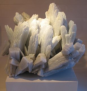 Anhydrite mineral, anhydrous calcium sulfate