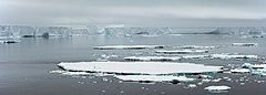 Antarctic Sound-2016-Iceberg 03.jpg