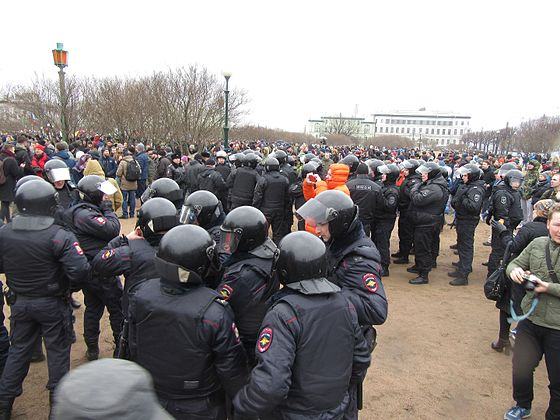 Anti-Corruption Rally in Saint Petersburg (2017-03-26) 29.jpg