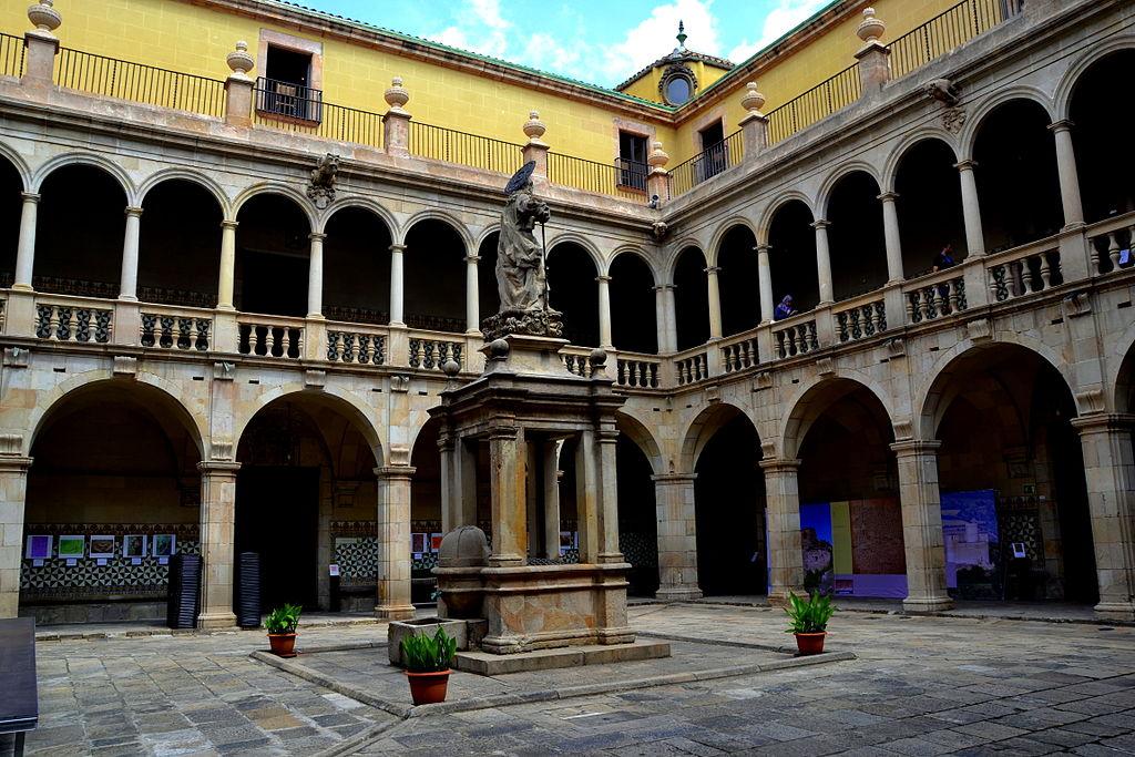 Ancien hôpital de Santa Creu du quartier du Raval à Barcelone. Photo de Angela Llop.
