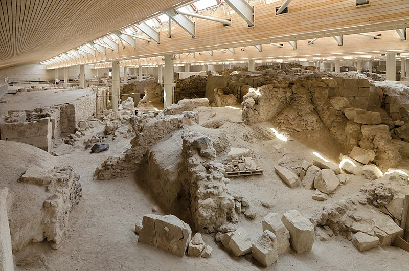 File:Archaeological site of Akrotiri - Santorini - July 12th 2012 - 91.jpg