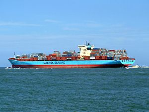 Arnold Maersk p3, leaving Port of Rotterdam, Holland 19-Jul-2007.jpg