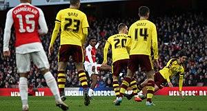 David Jones (footballer, born 1984) - Jones (wearing No.14) playing for Burnley versus Arsenal, 2016