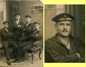 Karl Artelt -  Karl Artelt, 1st Werft-Division, left, (enlarged detail right), together with comrades of the 1st Torpedo-Division in Kiel-Wik, September 1914.