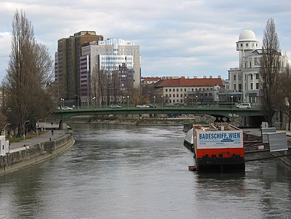 How to get to Aspernbrücke with public transit - About the place