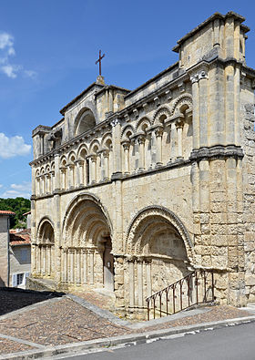 image illustrative de l'article Église Saint-Jacques d'Aubeterre-sur-Dronne