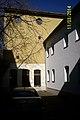 Augustanakirche Bln Innenhof.jpg