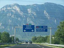Jonction de l'autoroute A41 avec l'autoroute A43 près de Montmélian