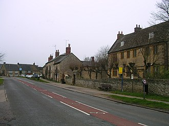 Banbury - Some old houses in Aynho, which is claimed to be in Banburyshire