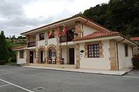 Ayuntamiento de Herrerias-Lateral.JPG