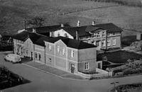 Bäckerei und Konditorei & Kolonialwarenhandlung Kiesby (1950'er).jpg