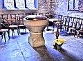 Baptistère, de l'église Sainte Bénigne.jpg