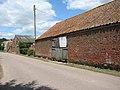 Barns by Chestnut Farm - geograph.org.uk - 1425164.jpg