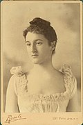Beatrix Jones Farrand cabinet card est 1890s-1910s.jpg