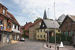 Bechtolsheim, square with the goose well.JPG