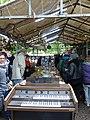 Berlin-Mauerpark-Flohmarkt (5).jpg