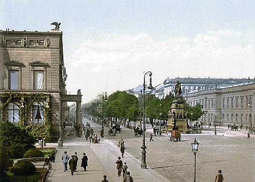 Berlin Unter den Linden um 1900