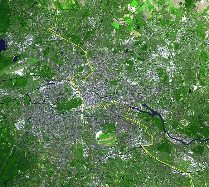 Ficheiro:Berlin satellite image with Berlin wall.jpg