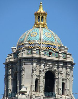 Beverly Hills City Hall - Close-up of the cupola.