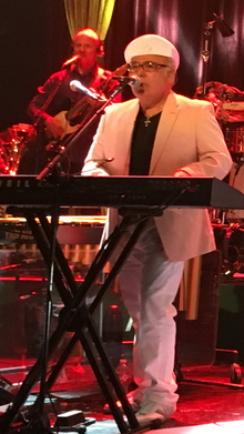 Hinsche performing live in 2017