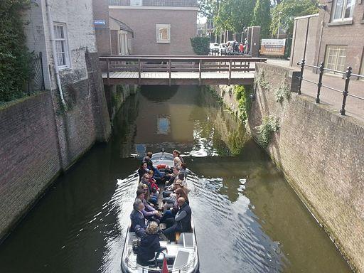 Binnendieze 's-Hertogenbosch rondvaartboot