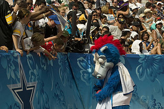 Blue (NFL mascot) - Blue at the 2009 Pro Bowl.