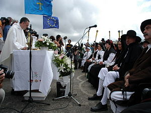 Valdés, Asturias - Vaqueira wedding in Aristébano.