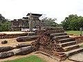 Boddhisathwa statue polonnaruwa 2017-10-17 (4).jpg